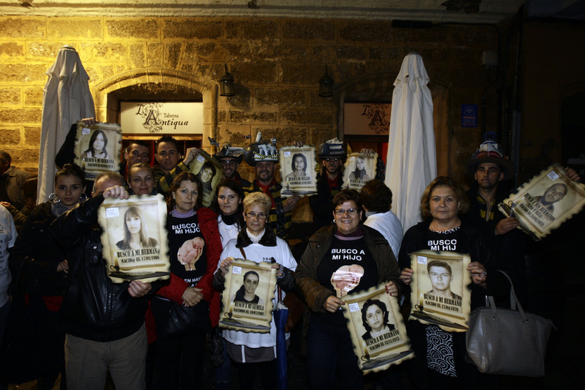 El Falla cede la voz a SOS Bebés Robados