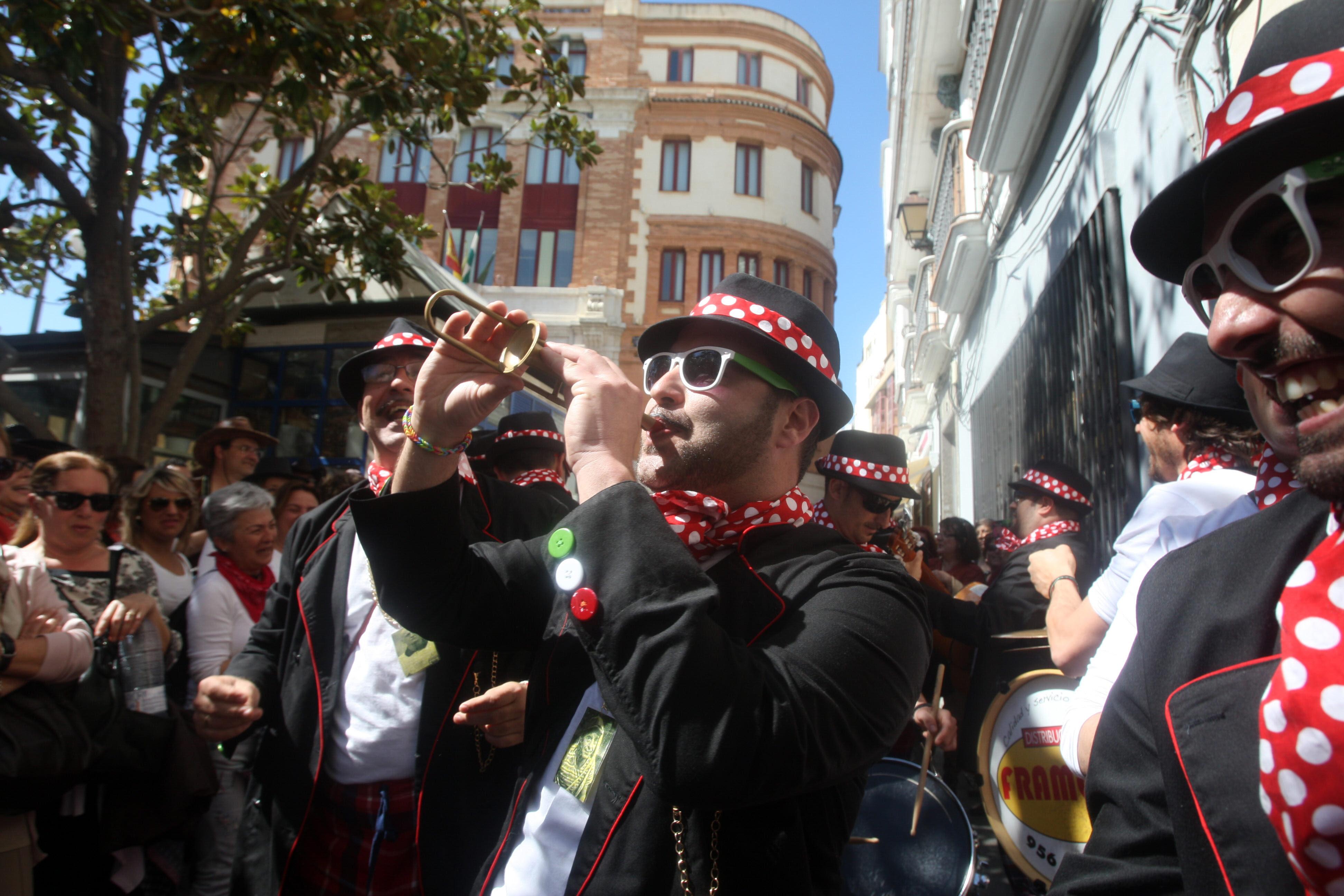 Batalla de coplas en el Mercado y concierto de India Martínez y Carlos Jean