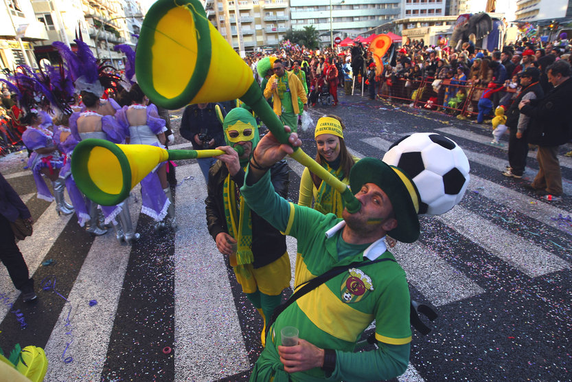 Itinerarios de actos, cabalgata y coros en el Carnaval de Cádiz 2015