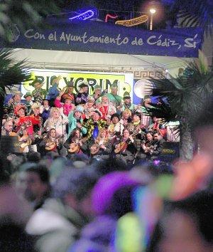 El Carnaval se acomoda en el barrio de La Viña