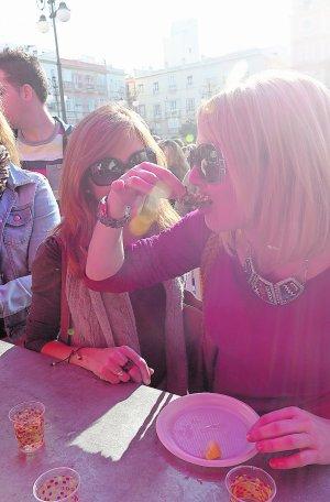Día de erizos, ostiones y coplas