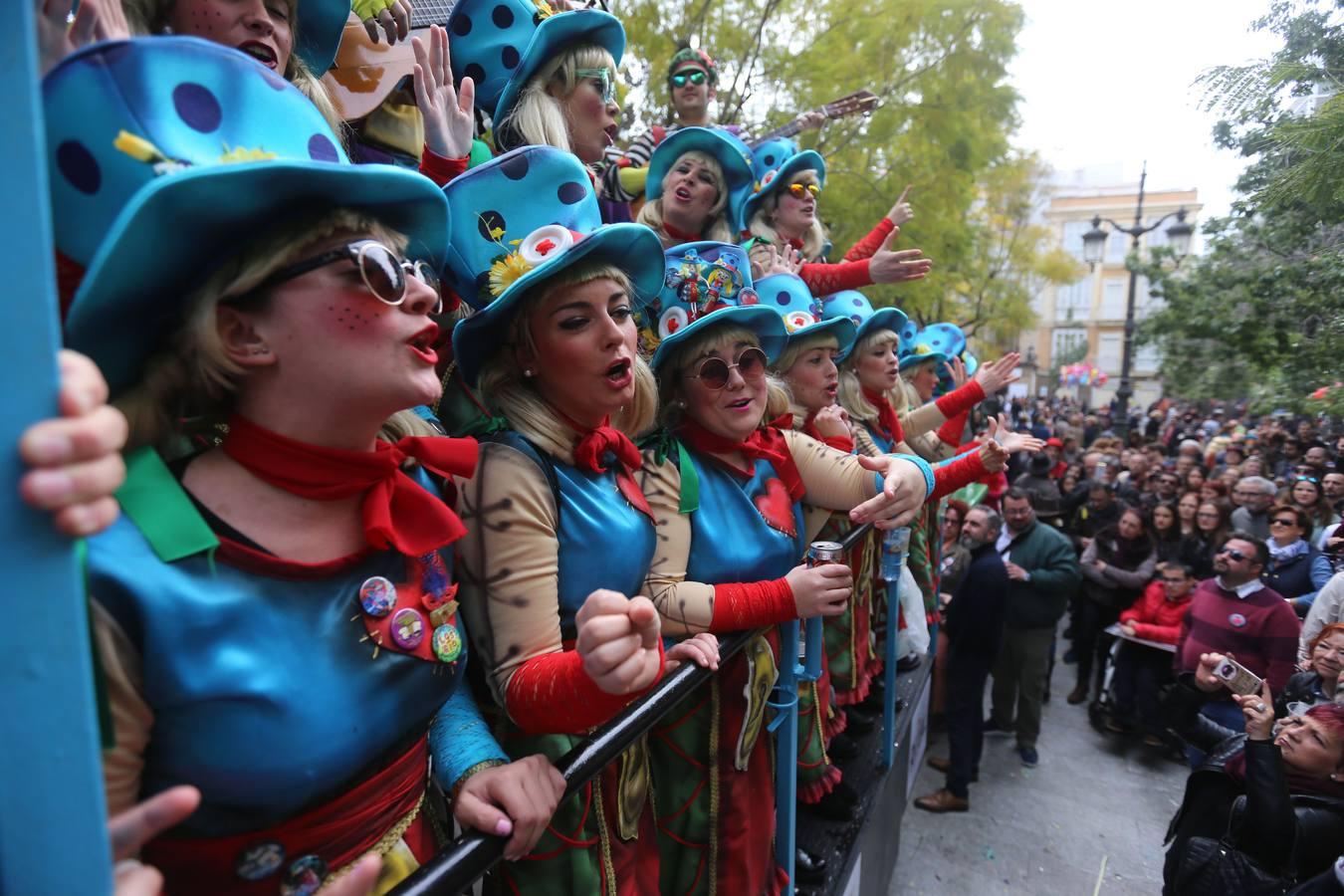 «No» sin fisuras al Carnaval de Cádiz con fecha fija