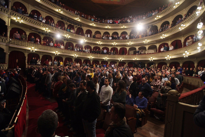 El Falla guarda un minuto de silencio por Enrique Treviño