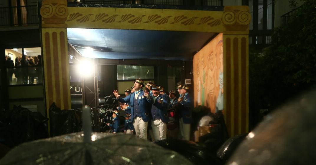 La lluvia obliga a suspender el circuito del Mentidero, de San Juan de Dios y el carrusel de coros de Loreto