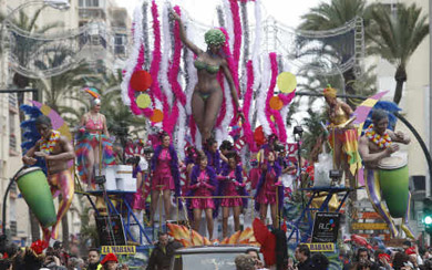 Cádiz, lugar de encuentro del Carnaval en 2012