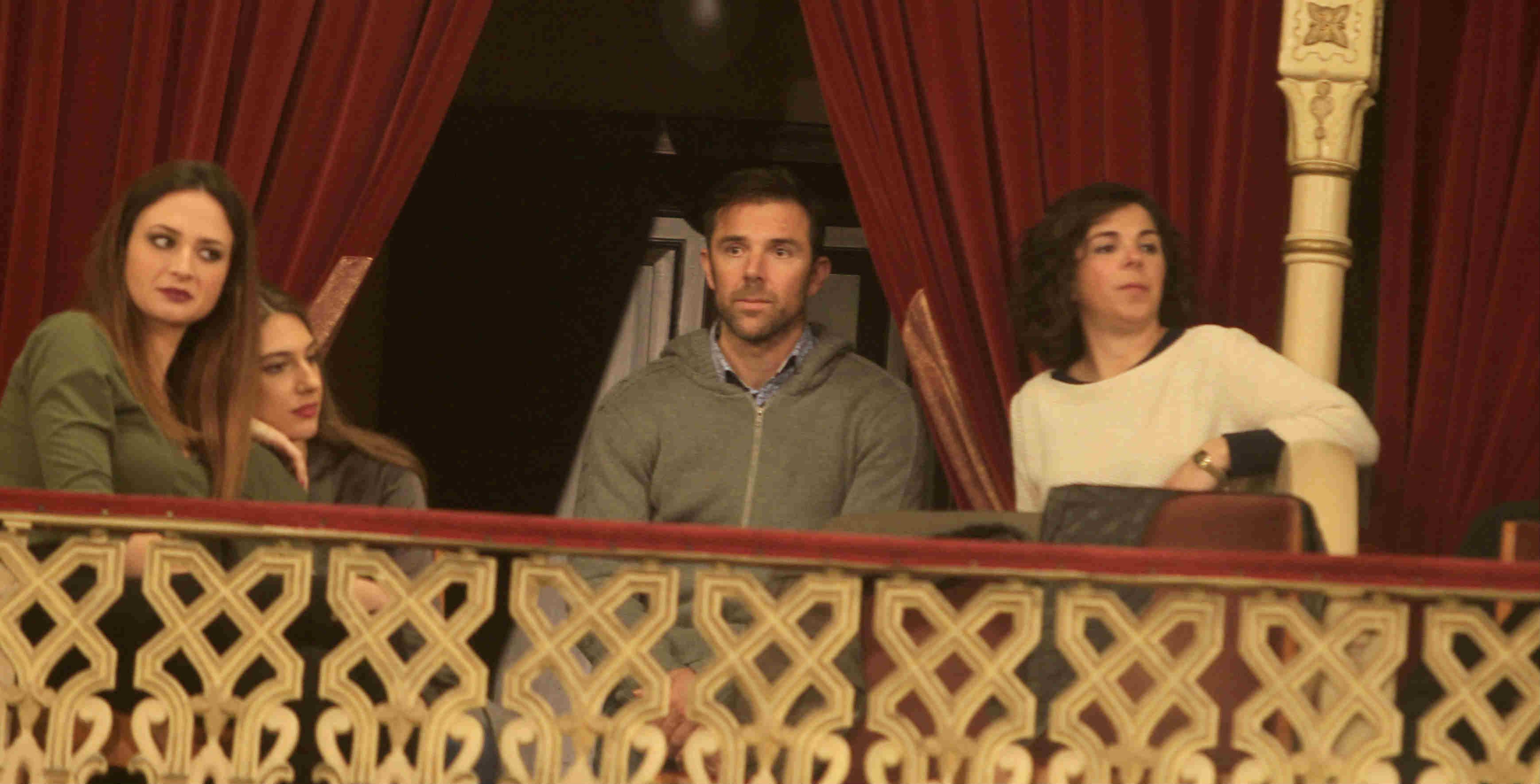 Carlos Marchena disfruta de las coplas en el Falla