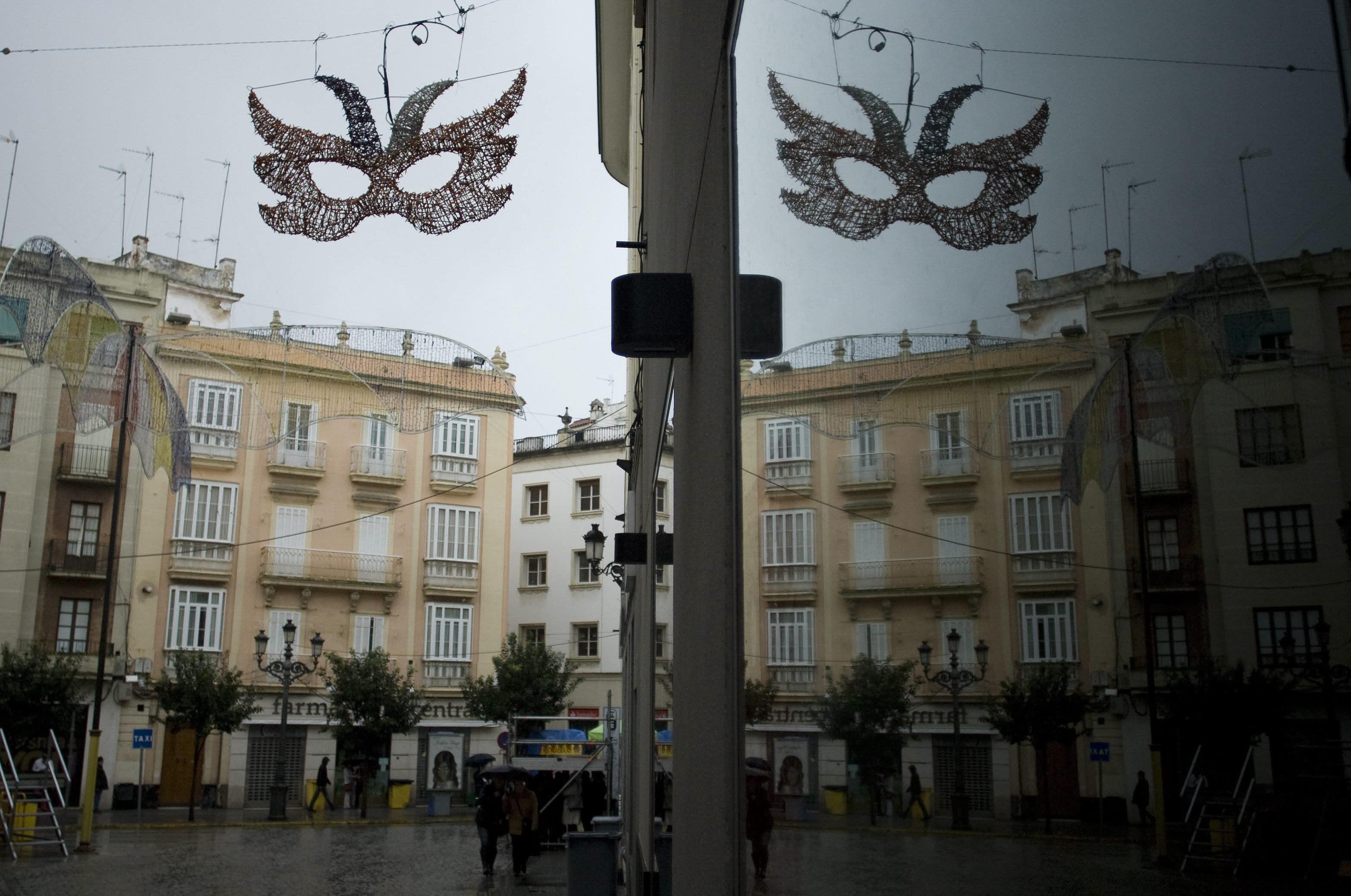 El mal tiempo amenaza el primer fin de semana de Carnaval de Cádiz