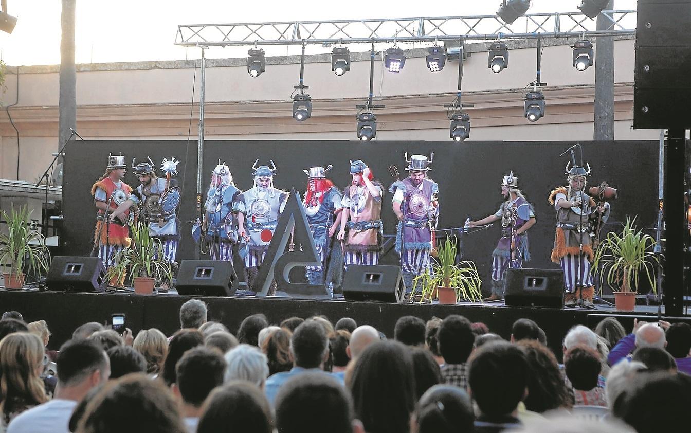'Los Martes de Carnaval' triunfa en el Baluarte de la Candelaria