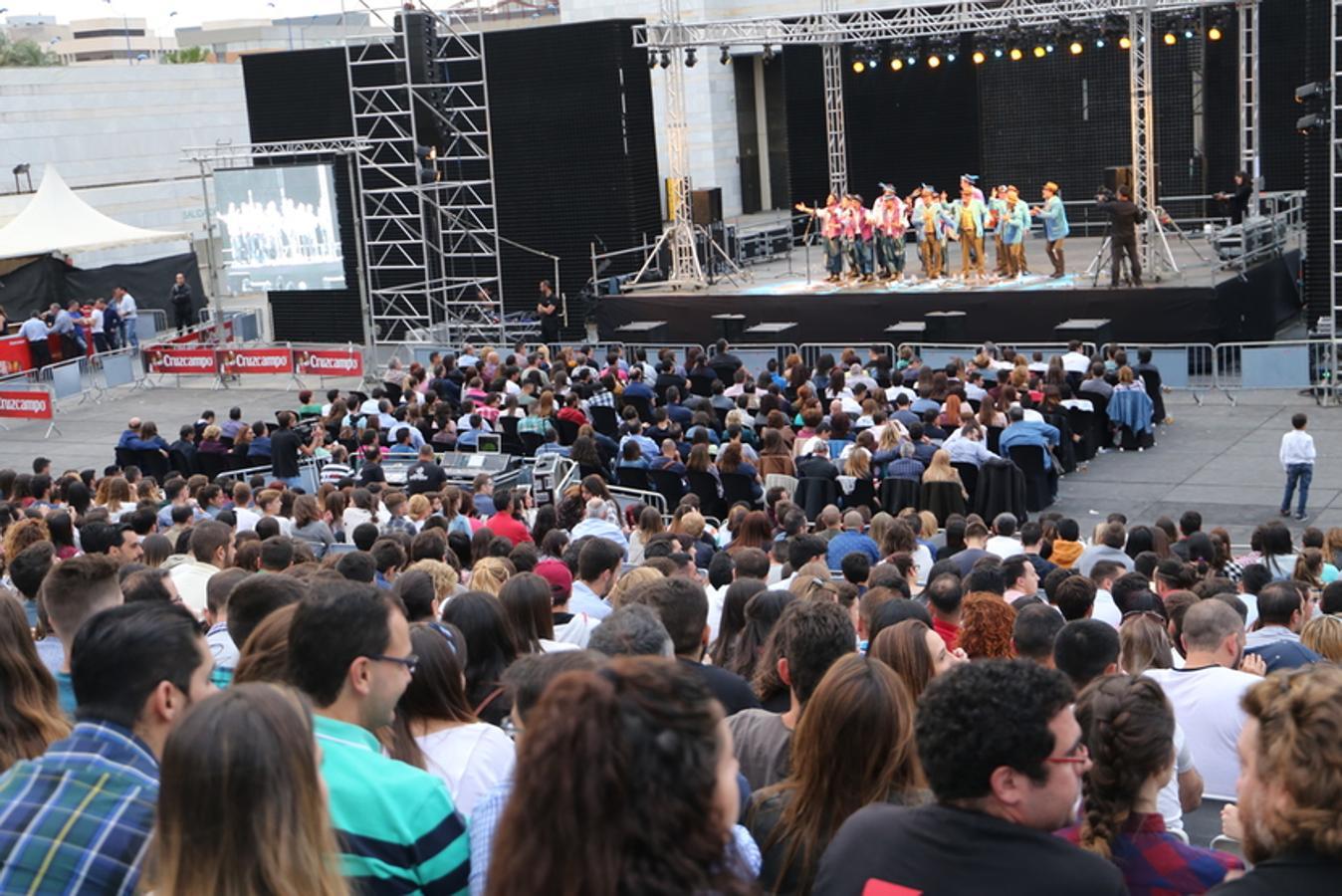 El Carnaval de Cádiz triunfa en Sevilla ante 4.000 personas