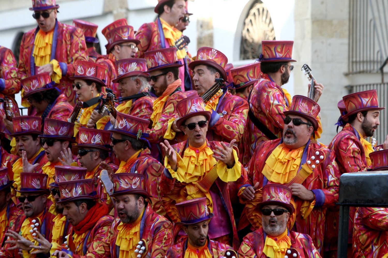 Batalla de coplas y Carrusel de coros en el martes de Carnaval, día de Andalucía