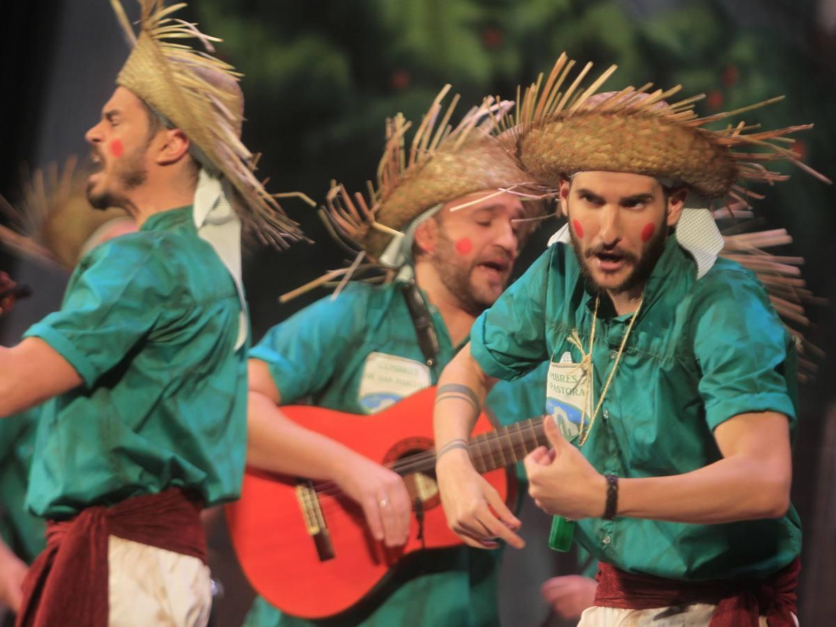 Los más madrugadores del Carnaval de Cádiz 2018