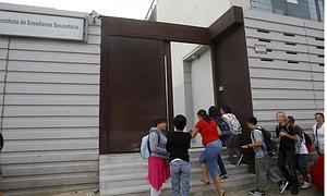 Personal del Cornelio Balbo se queja de la ubicación de la carpa «a 30 metros de la entrada»