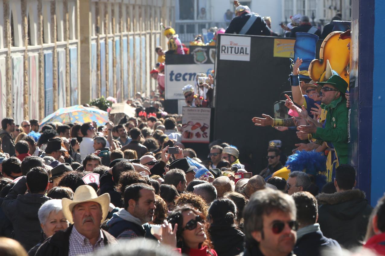 Un domingo de primavera despide al Carnaval de 2015