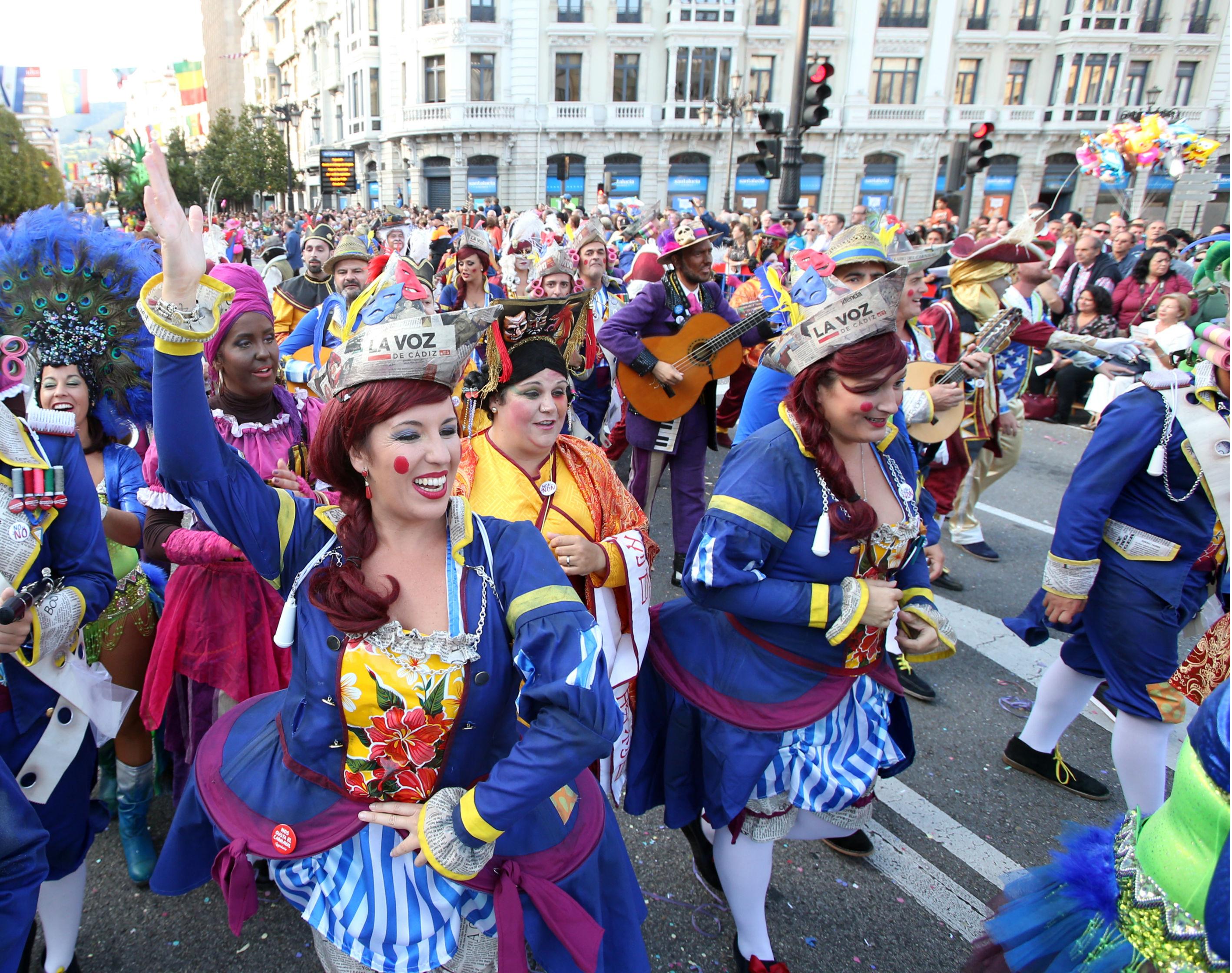 El Ayuntamiento, exultante con la promoción del Carnaval gaditano en Oviedo