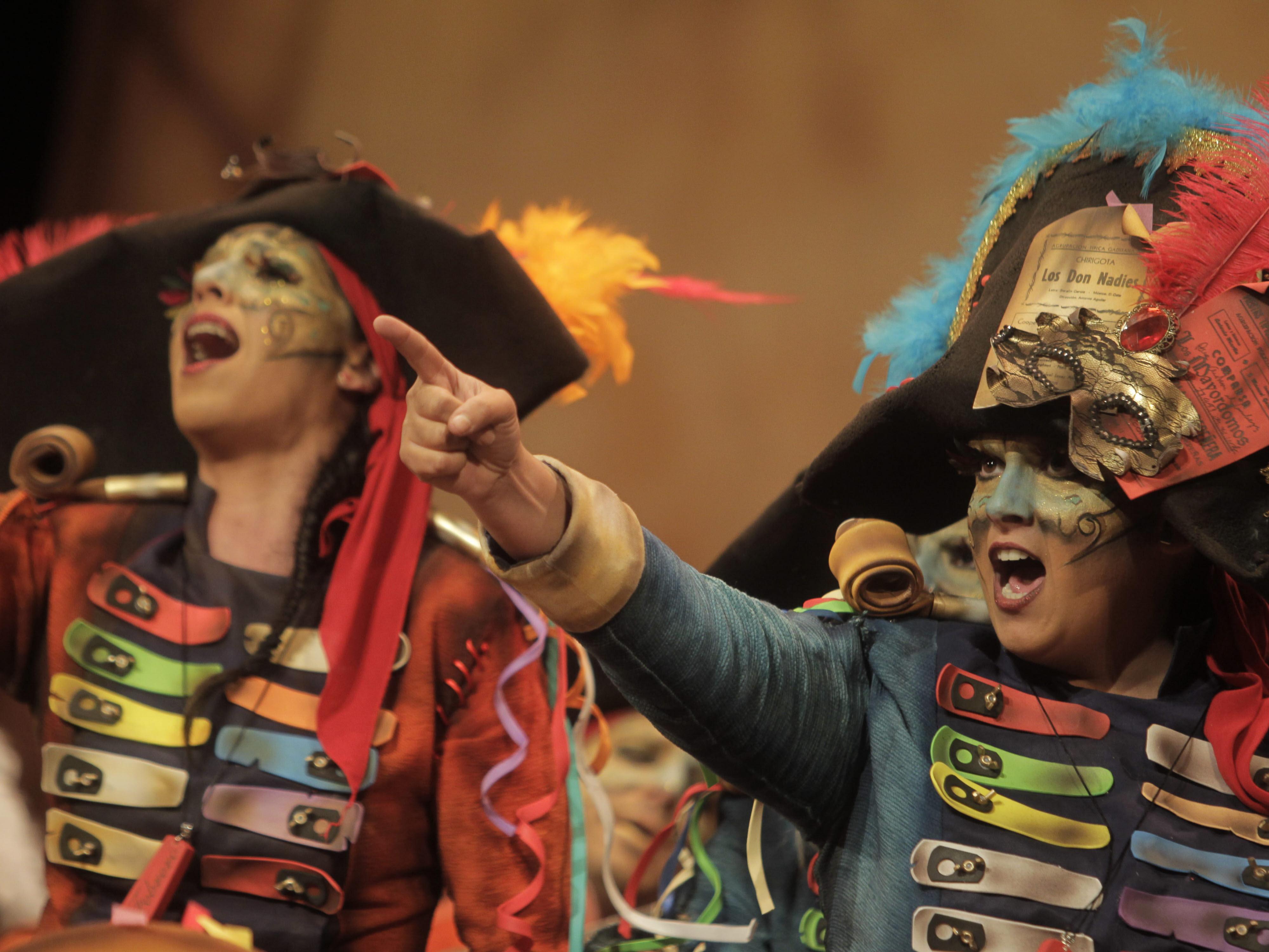Participa y elige los mejores pasodobles del Carnaval de Cádiz dedicados a la mujer