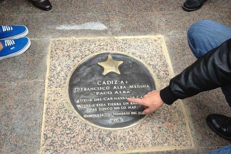 El Falla acogerá este viernes un homenaje al creador de la comparsa, Paco Alba, en el 40 aniversario de su muerte
