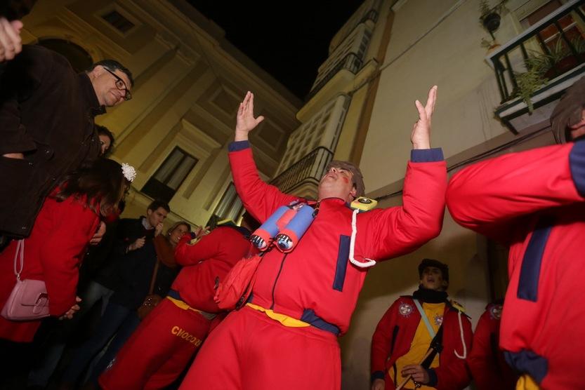 Duelo de ilegales y romanceros en el Carnaval de Cádiz 2015
