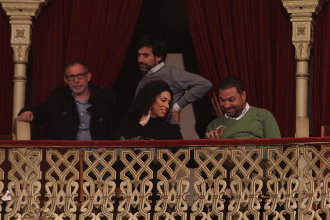 Juan Carlos Cordero, en el Falla ojeando a los comparsistas