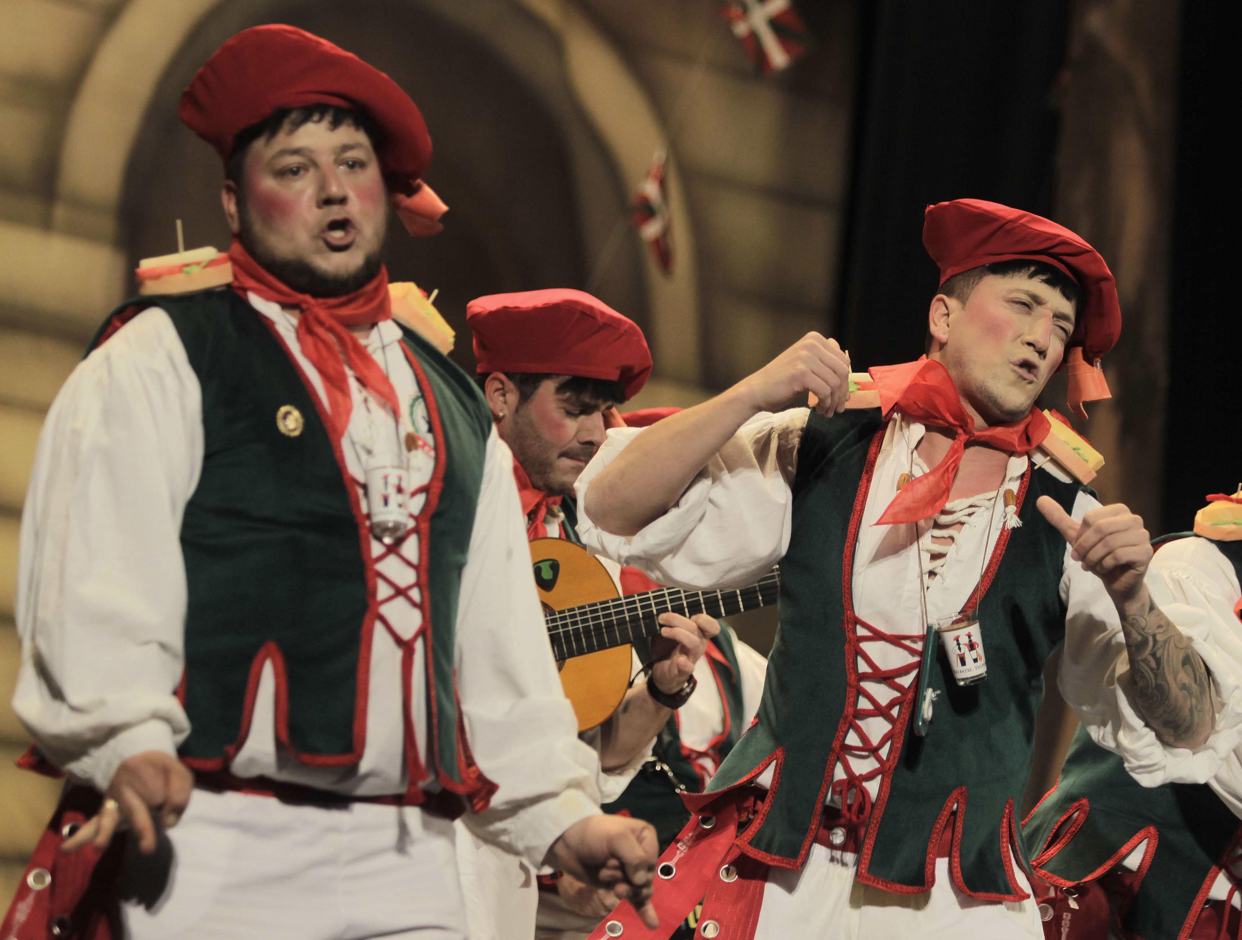 Listado de agrupaciones inscritas al Carnaval de Cádiz 2015