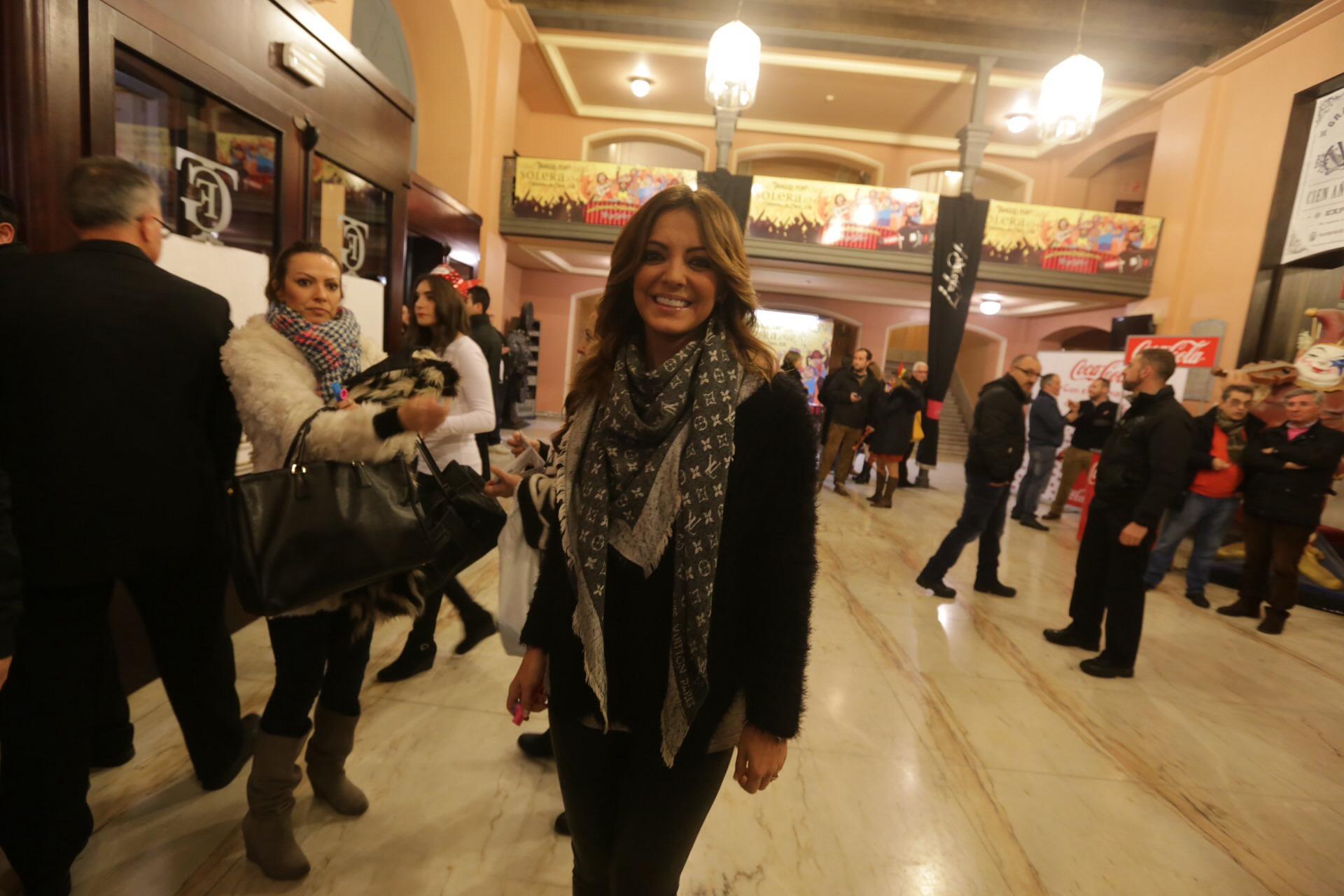 La sociedad gaditana se da cita en la Final del Concurso del Carnaval de Cádiz