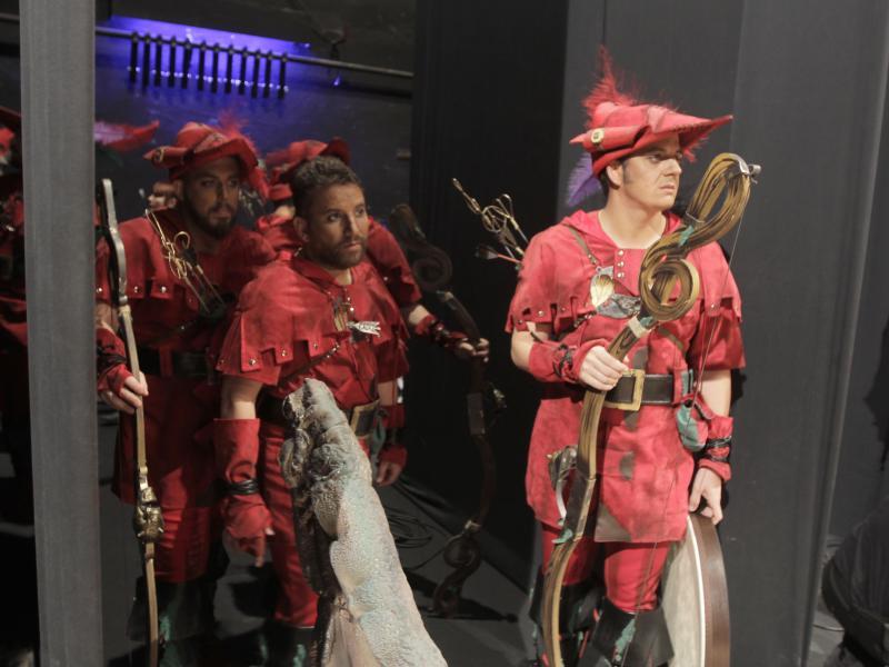 Nene Cheza se estrena en solitario con 'Los arqueros'