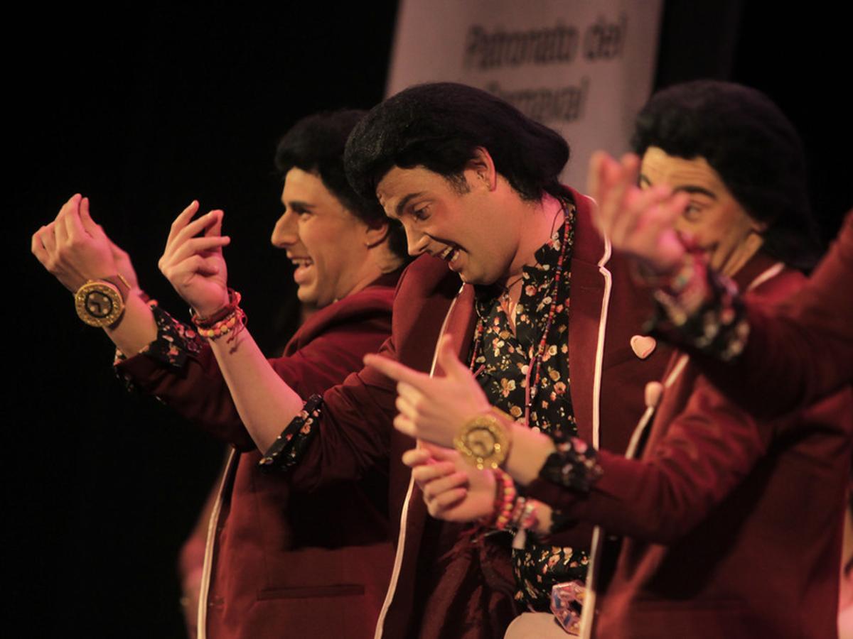 La chirigota de Puerto Real pide disculpas por la interpretación machista de su repertorio
