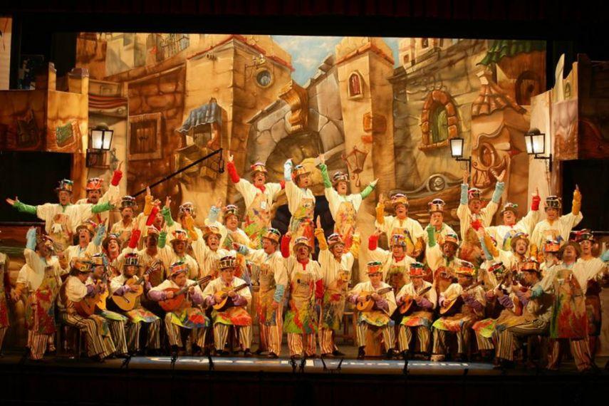 'El circo del sol' deslumbra al Falla