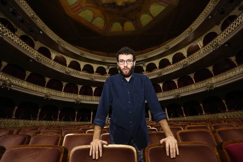 Adrián Martínez de Pinillos: «Quién me iba a decir que me iban a cantar en el Falla, para bien o para mal»