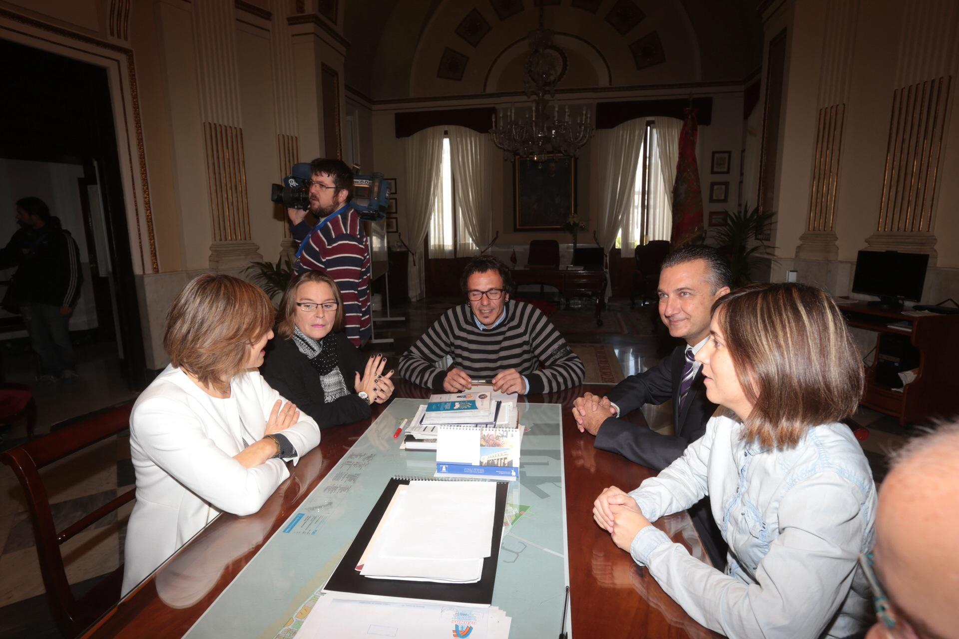 «El Ayuntamiento de Cádiz está con la radio de su ciudad»