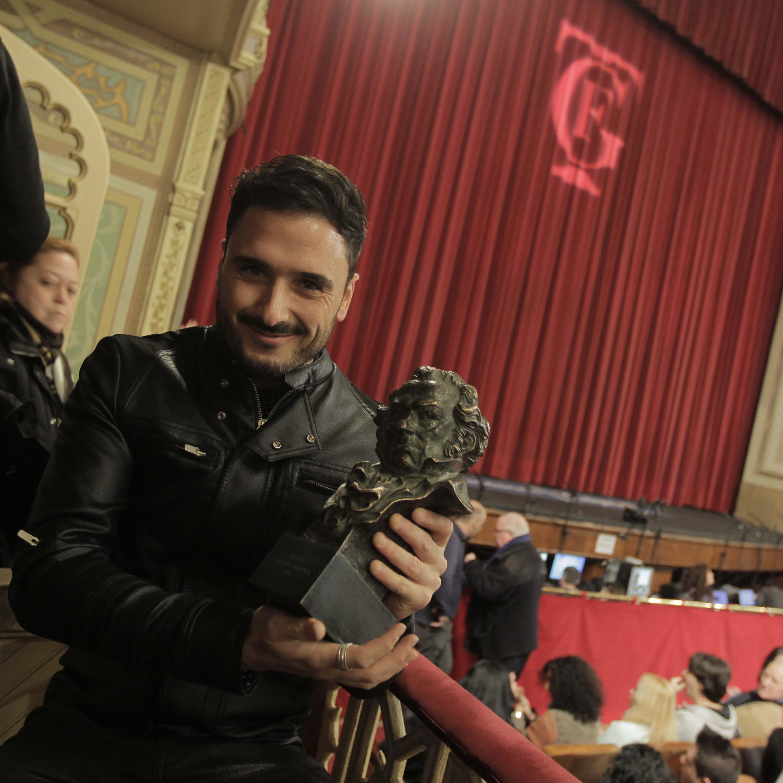 Riki Rivera ofrece su Goya al templo del Carnaval