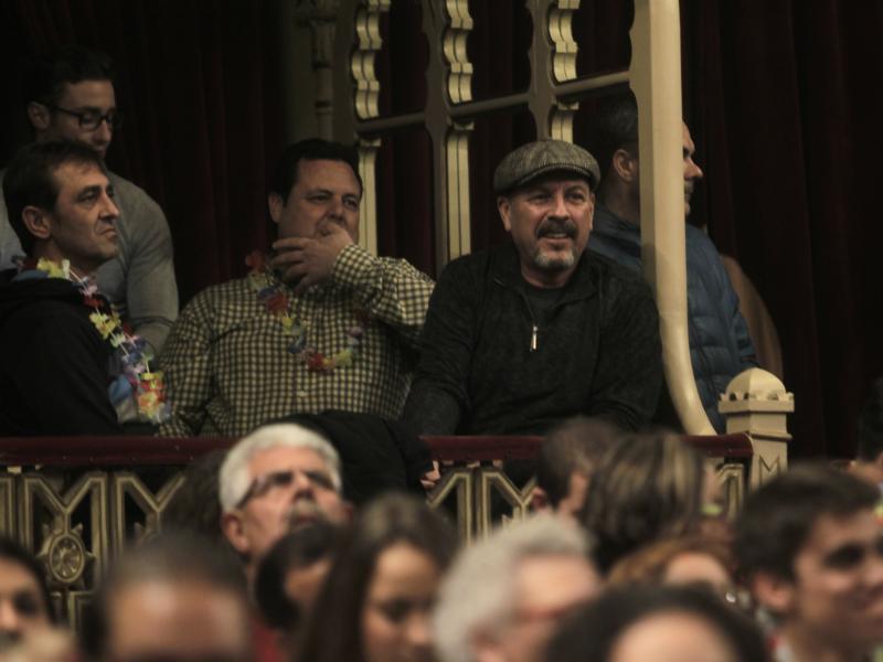 Javier Ruibal inaugura el palco del pregonero