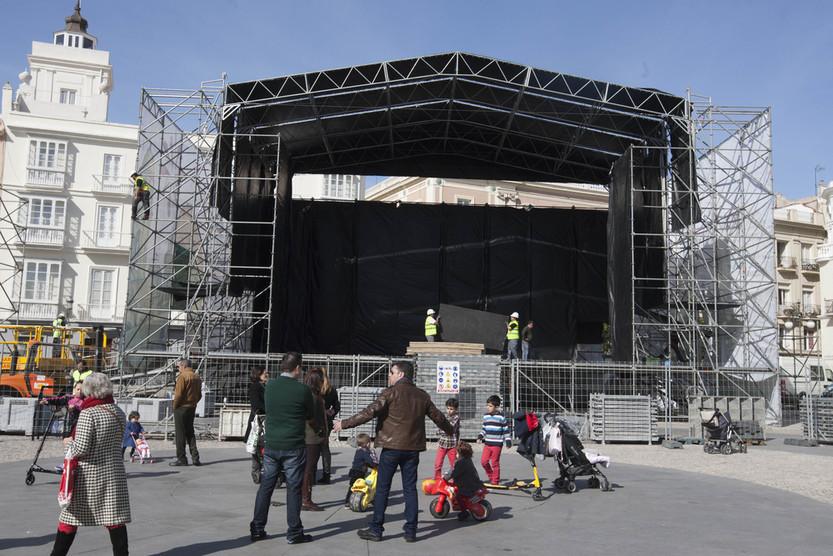 Comienzan a instalar el escenario de San Antonio