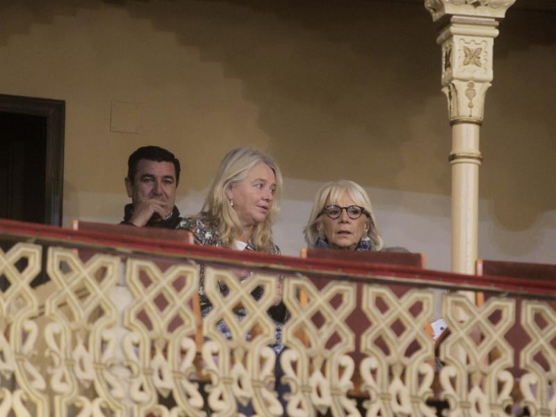 Teófila Martínez se estrena en el Falla