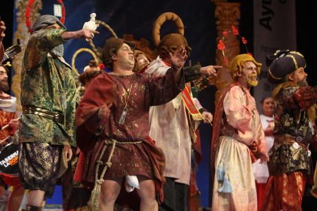 Actuación de la chirigota Este año nos veréis altar. Carnaval de Cádiz