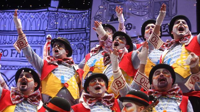 Pase del coro Don Taratachín en Cuartos.