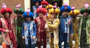 Actuación de Los Sultanes Resultones, este año Méjico Lindo. Carnaval de Cádiz