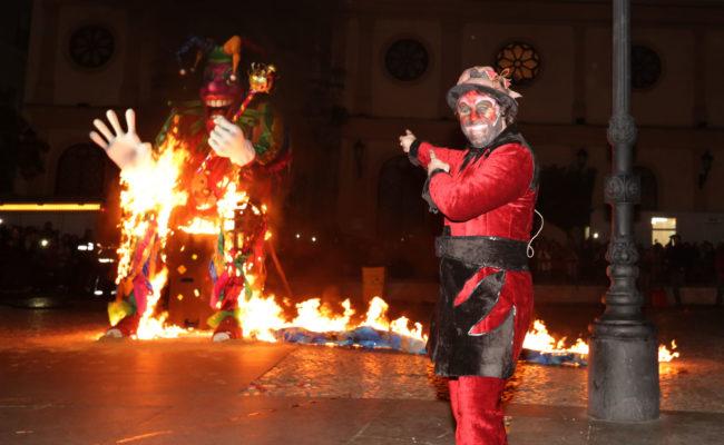 Quema del Dios Momo en el Carnaval