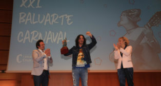 Javi Bohórquez, en la entrega del premio Baluarte del Carnaval